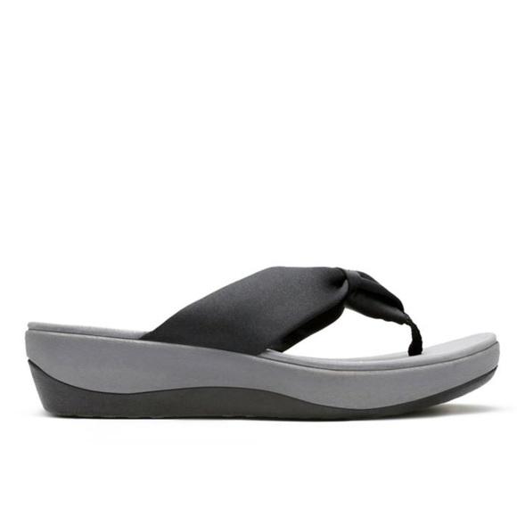 6b7276ae3dd6d9 Clarks Shoes - Clarks Cloudstepper Sandal Flip-Flops in Black